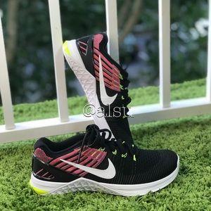 NWT Nike Metcon DSX Flyknit Black WMNS